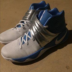 Shoes. Nike. Kyrie 2